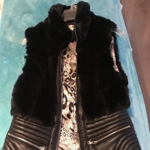 Black Vest with faux fur and leather